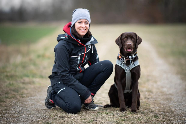 charlie-und-carina-vollzeit4beiner-kundinnen-junghunde-programm-kurs-training-hund.jpg